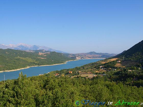 Bomba (Abruzzo - Italy), lago di Bomba, foto di Bomba photos ...